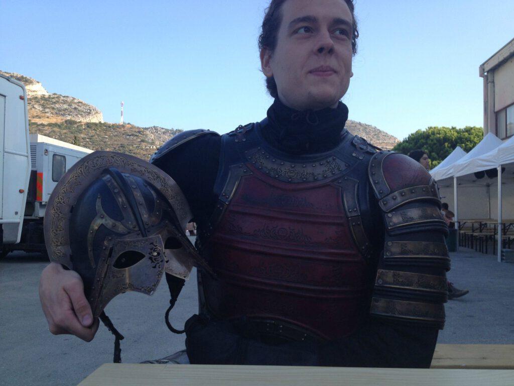 Game of Thrones Extra Posts Amazing Photos!