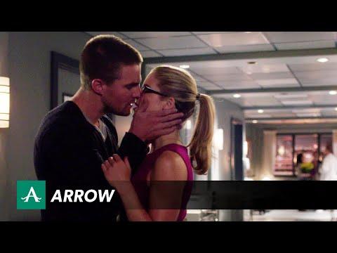 Official Arrow Season 3 Trailer, Holy Smoaks!