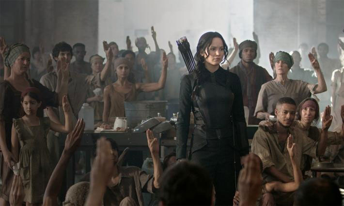 HUNGER GAMES: MOCKINGJAY PT 1 New Pics featuring Natalie Dormer, Jennifer Lawrence & Liam Hemsworth