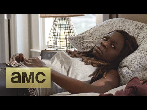 Sneak Peek at the Next Week's Episode 515 of The Walking Dead: Try – Michonne's Laundry Will Have to Wait!