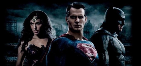 We're Getting a Batman v Superman: Dawn of Justice Teaser Early!