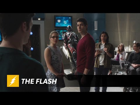 Ray Palmer Flies to Central City for Help from The Flash on His ATOM Suit