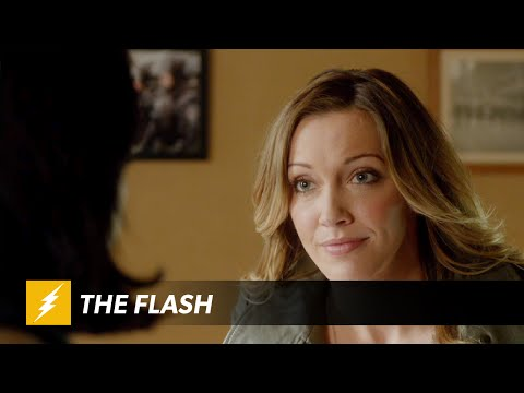 "New Featurette from Flash Producers asks ""Who Is Harrison Wells?"""