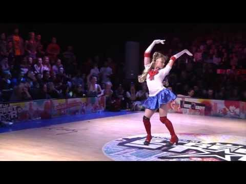 Watch Sailor Moon And Wonder Woman Battle It Out Dance Style!