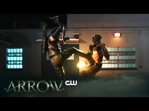 """Sneak Peek at Arrow """"Brotherhood"""" Sees Diggle Discovering His Brother is with Hive!"""
