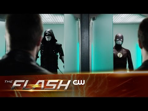 "Sneak Peek at The Flash ""Legends of Today"" Shows Us Vandal Savage and More!"