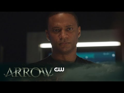 Clip for Tonight's Arrow Sees Diggle Admit to Oliver that His Brother Was a Criminal