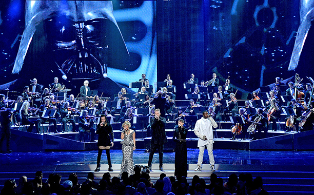 A Cappella Group Pentatonix's Epic Star Wars Medley Performance at AMA's