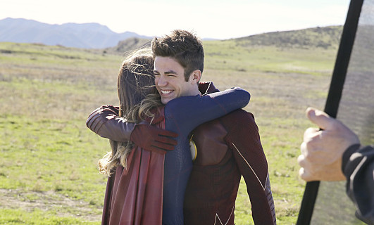 "Supergirl/The Flash Crossover Teaser Released Showcasing The ""Worlds Finest"""