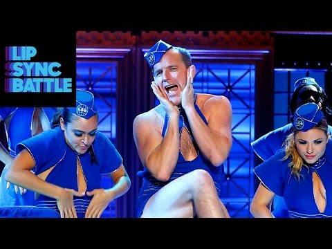 "Clark Gregg Brings the Heat on Lip Sync Battle with Britney's ""Toxic"""
