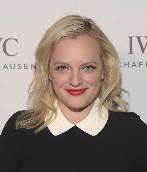 Elisabeth Moss to Star in Hulu's Adaptation of Margaret Atwood's The Handmaid's Tale
