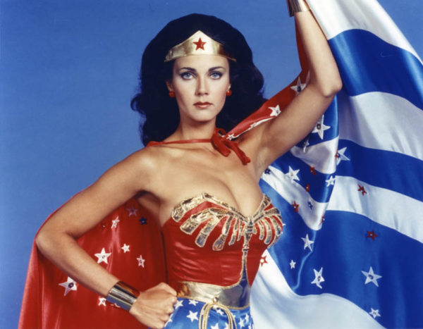 LYNDA CARTER IS THE PRESIDENT OF THE FREE WORLD ON SUPERGIRL!