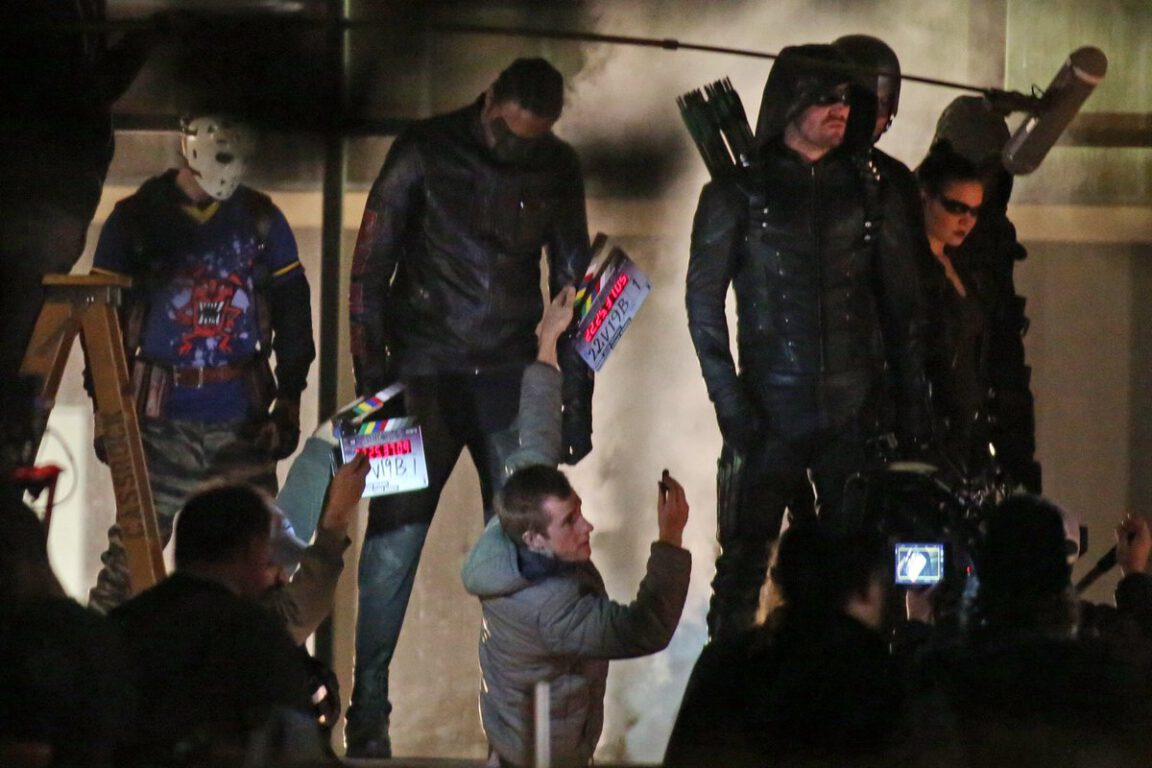 FIRST LOOK AT MR.TERRIFIC, WILD DOG AND ARTEMIS IN COSTUME FOR CW'S ARROW!