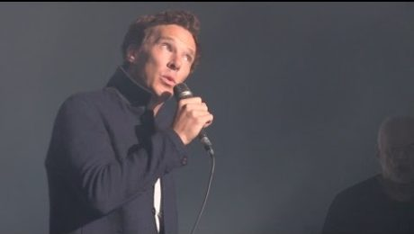 Benedict Cumberbatch Joins David Gilmour Onstage for Pink Floyd's 'Comfortably Numb'!