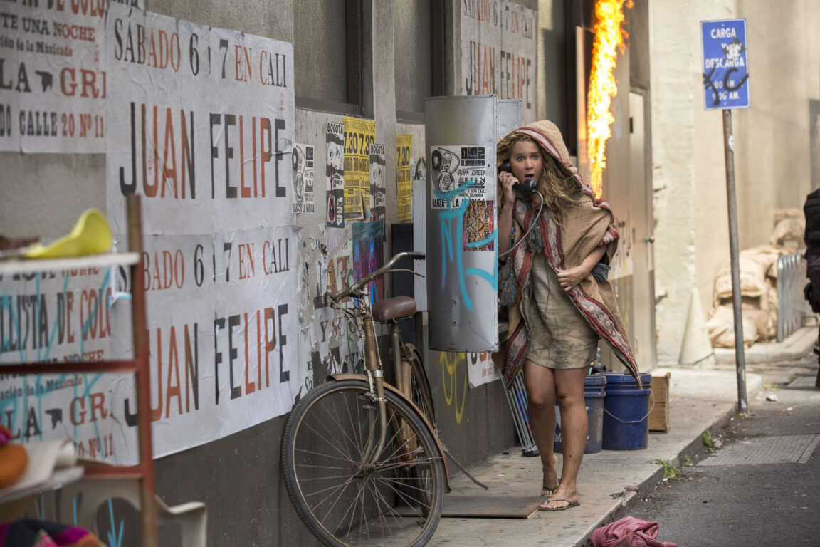 Amy Schumer and Goldie Hawn Are Hilarious in the SNATCHED Trailer