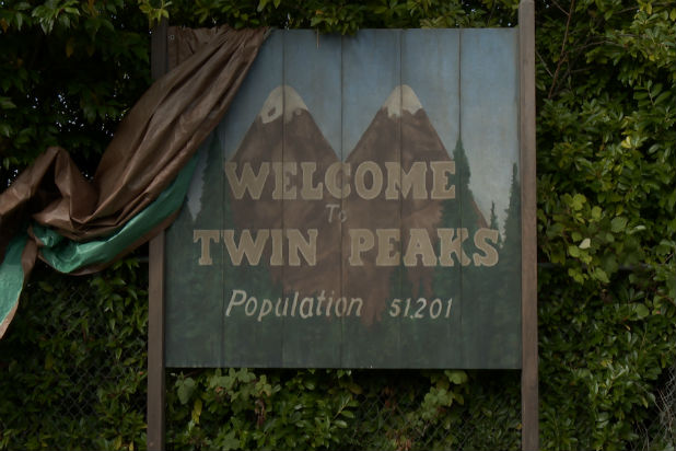 TWIN PEAKS to Premiere May 21st!