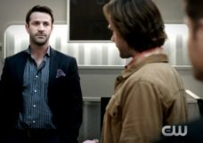 """Mick Gets a Taste of the Hunter Life in the Trailer for the Next SUPERNATURAL Episode """"Ladies Drink Free"""""""