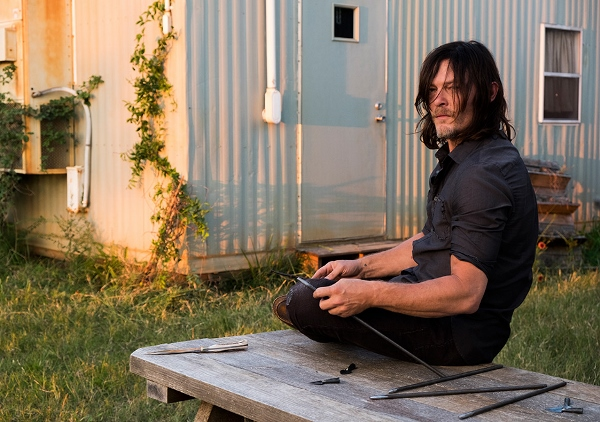 the-walking-dead-episode-714-daryl-reedus-935 (600x422)