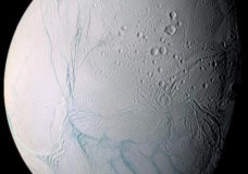 Zooming In On Enceladus (Movie)
