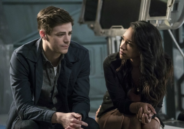 "Barry Must Take Dangerous Risks Against Savitar on the Next THE FLASH ""Cause And Effect"""
