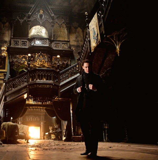New Crimson Peak Image – This Time It's an Intimidating TOM HIDDLESTON!