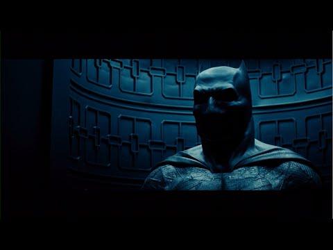 Zach Snyder Teases Batman V. Superman: Dawn of Justice Trailer!