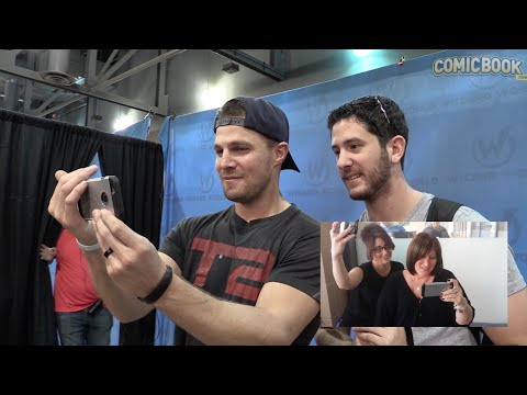Star of CW's Arrow, Stephen Amell, Wishes a Special Mother a Happy Mother's Day
