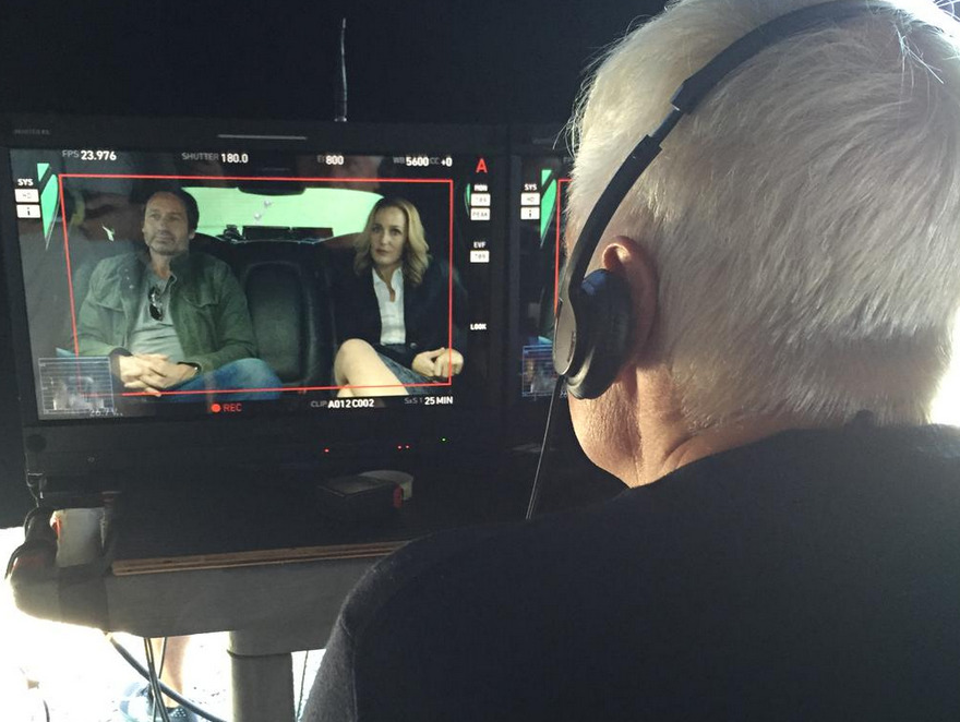 X-Files Begins Shooting In Vancouver and the Internet Goes Crazy – As It Should!