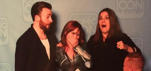 See Hayley Atwell and Chris Evans Faces When a Fan Proposes to His Girlfriend in Front of Them!