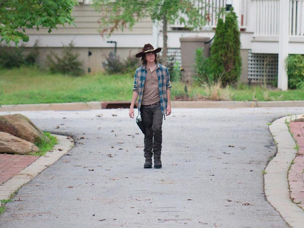 Sneak Peek and Synopsis for This Week's Episode of The Walking Dead, 'Heads Up'