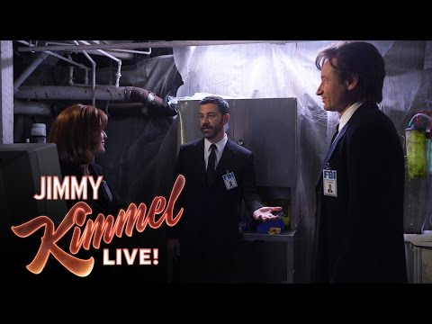 Watch Jimmy Kimmel, Gillian Anderson And David Duchovny Spoof The X-Files!