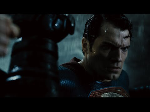 NEW BATMAN V. SUPERMAN: DAWN OF JUSTICE TRAILER GIVES US BATMAN WE'VE BEEN DYING TO SEE!