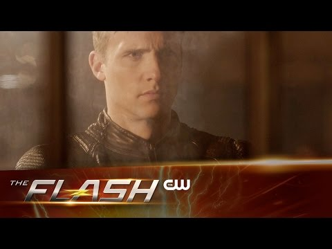 """Sneak Peek at The Flash """"Invincible"""" Sees Barry Terrified and Screaming"""