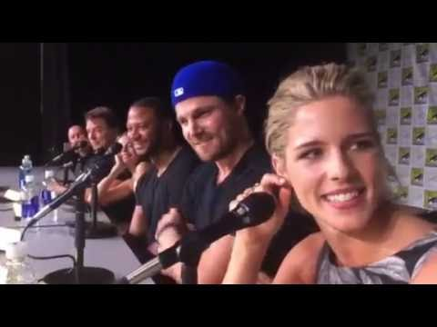 The Cast Of Arrow Sings Hamilton At SDCC 2016!