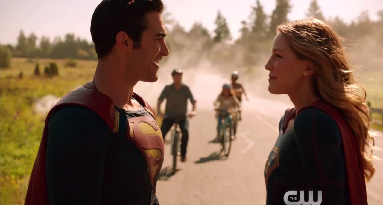Newest Supergirl Trailer Sees National City Geeking Out Over Superman