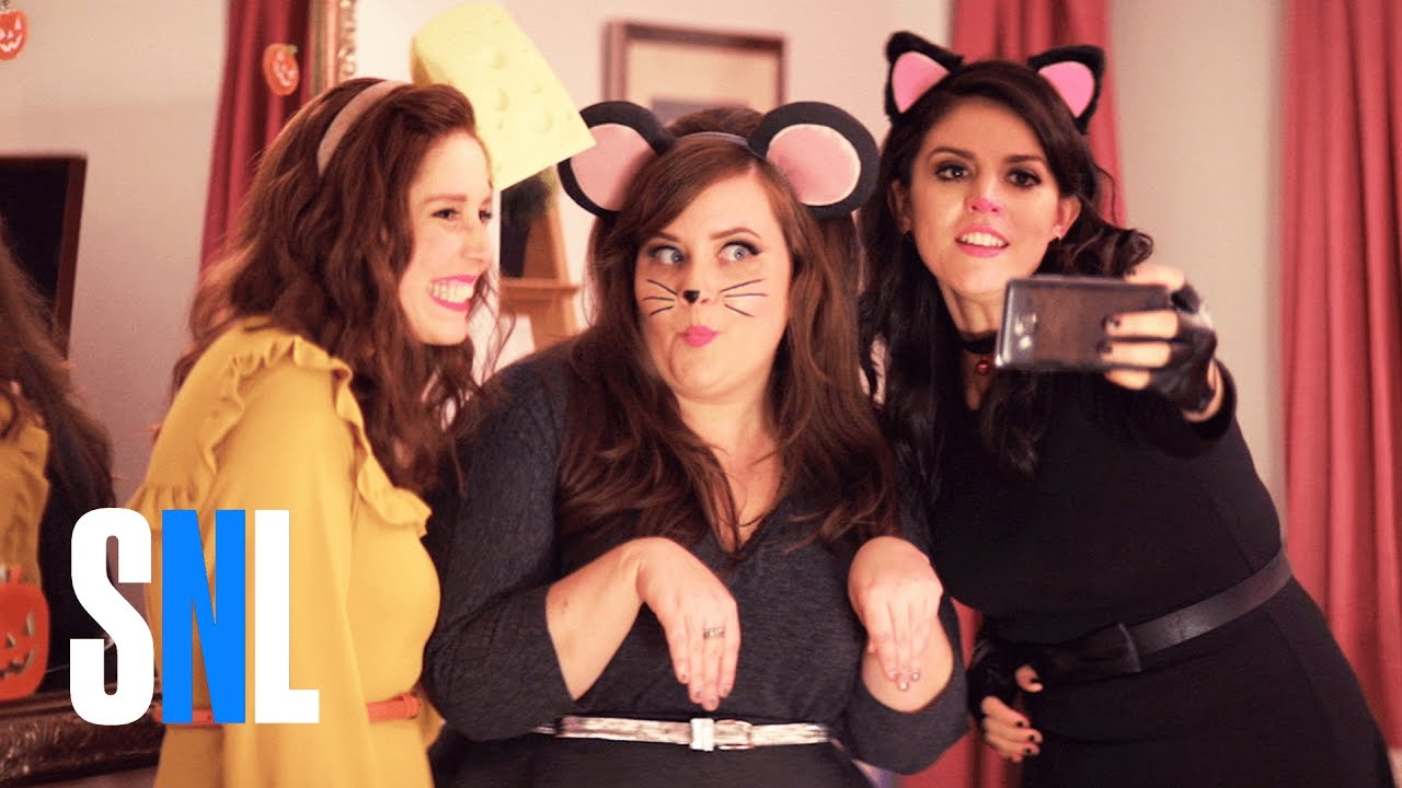 SNL's Women Give Us 'A Girls' Halloween'