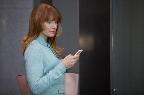 "Episode Recap: Black Mirror [S3E01] ""Nosedive"""