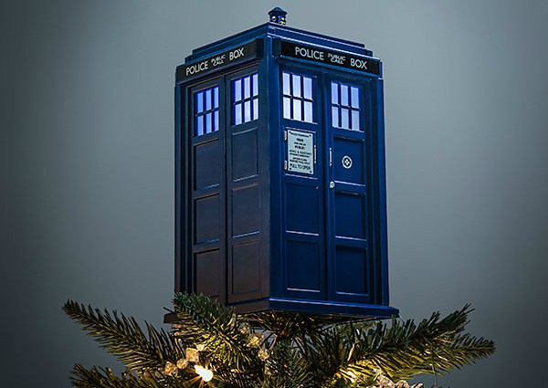 A Doctor Who Themed Christmas Tree? Allons-y!