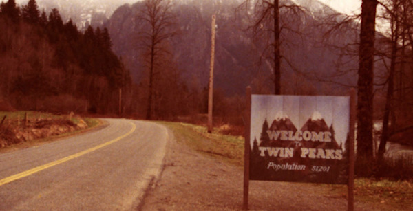 Showtime Releases Key Art for TWIN PEAKS Day