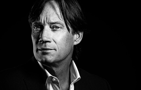 Kevin Sorbo Joins CW's SUPERGIRL