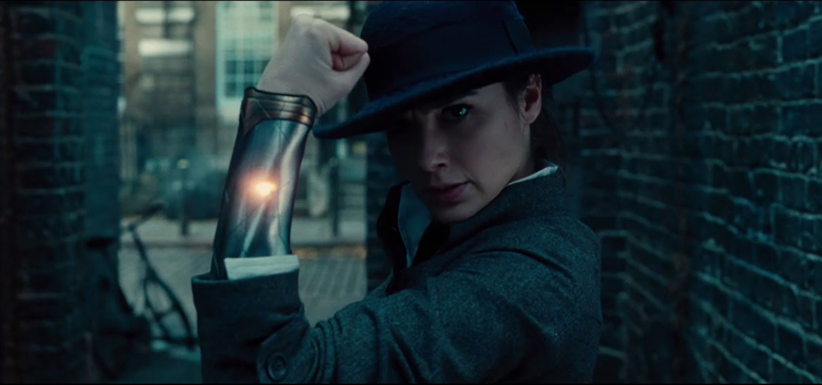 5 More Action-Packed WONDER WOMAN Clips Knock Our Socks Off