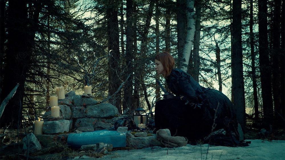 Still of Dani Kind as Mercedes Gardner/Widow Mercedes in Wynonna Earp.