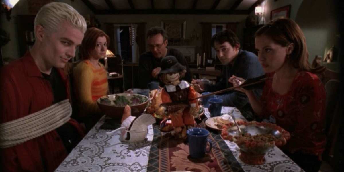 How to Survive a Family Thanksgiving, as Told by an Awkward Introvert