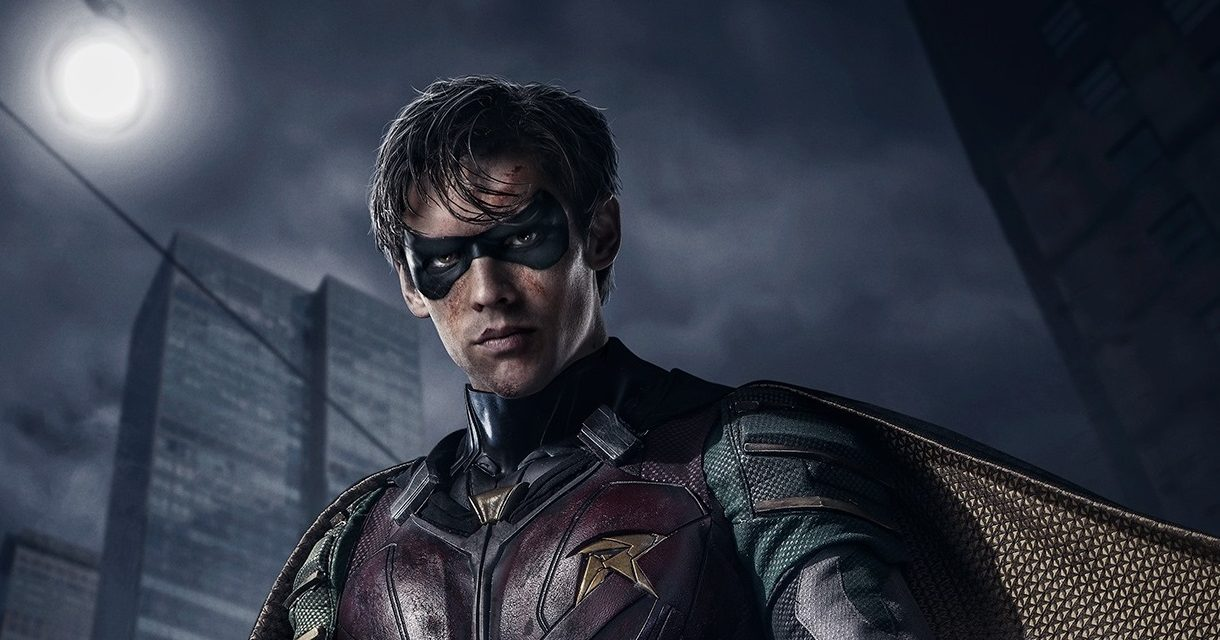 Exciting New Images of Robin From TITANS Revealed