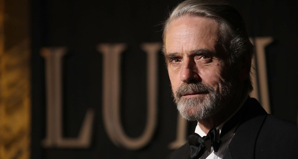 Jeremy Irons Joins WATCHMEN Pilot