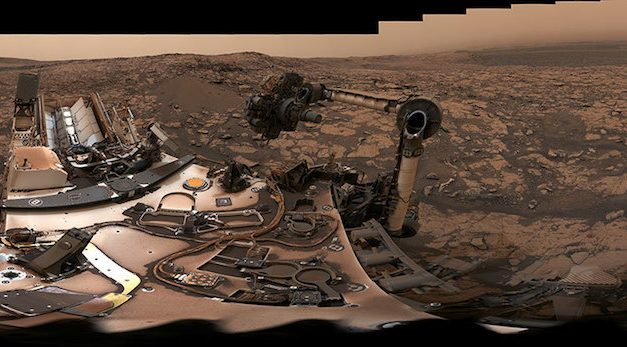 NASA Curiosity Rover Takes 360 Degree Selfie, Drills New Samples