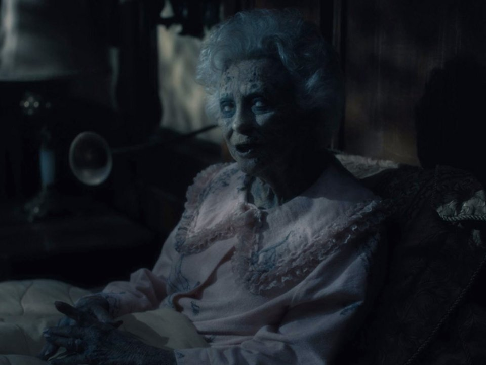 a ghost in the haunting of hill house