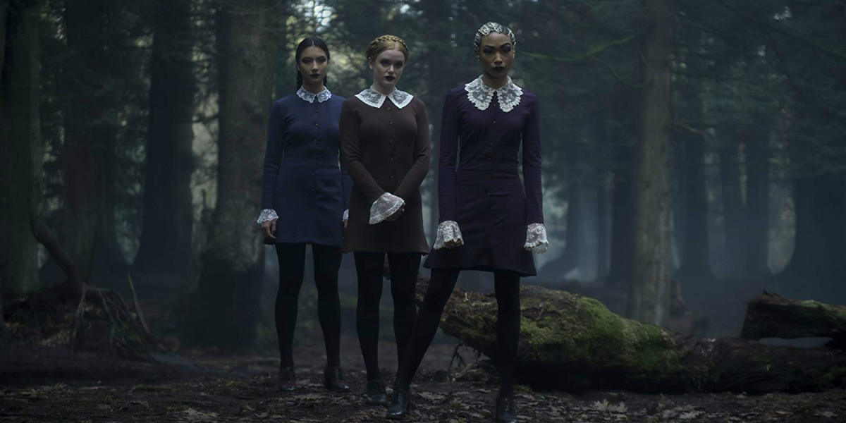 CHILLING ADVENTURES OF SABRINA Series Premiere Recap S01E01 Chapter One October Country Witches