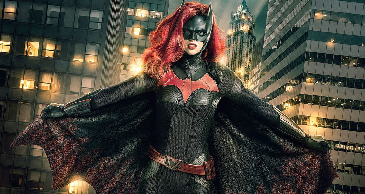 Barry and Cisco Find Batwoman in New ELSEWORLDS Promo