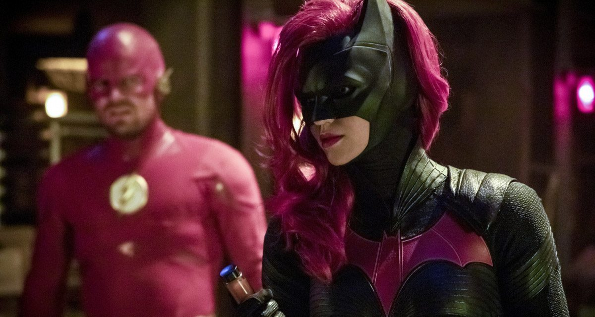 Batwoman Is On the Case in New ELSEWORLDS Photos